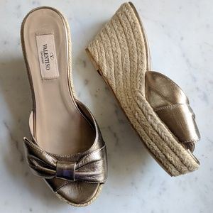 Valentino Garavani Bow Wedge Espadrille Sandals 37